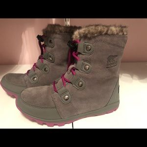 Sorel winter boots, grey with pink